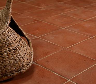 Conseils et astuces pour installer des tomettes sur son sol for Bien choisir son carrelage sol