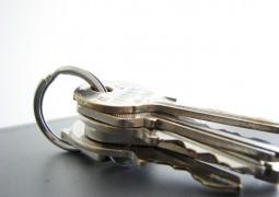 Paire de clés sur un trousseau